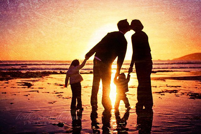 Beach,Children,Dad,Family,Kids,Kiss - inspiring picture on PicShip.com