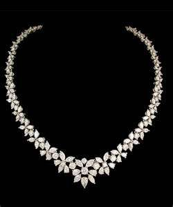 gorgeous diamond wedding necklace