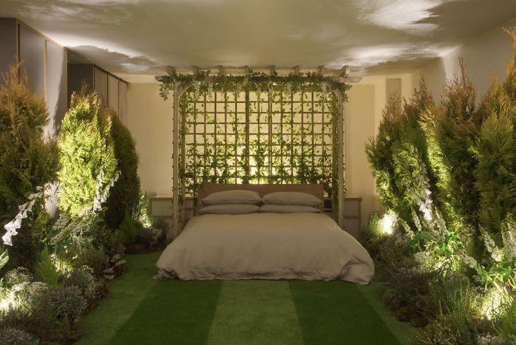 Descubre este alojamiento diseñado por Airbnb y Pantone y que te permite dormir en plena naturaleza en el centro de Londres - https://arquitecturaideal.com/dormir-en-plena-naturaleza-en-este-edificio-londres/