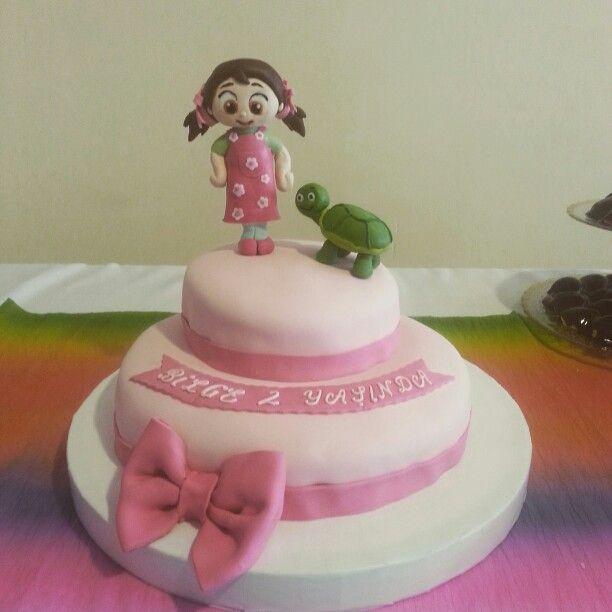 Kızımın 2. Yaş gününe yaptığım niloya figürlü şeker hamurundan pastam :)#niloyapasta #niloya #niloyatosbik #tosbik #handmade #elemeğigöznuru #herşeykızımiçin #elemeği
