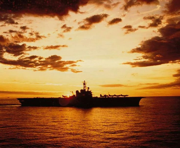 Amazing photo of RAN aircraft carriers Melbourne with Ex RAN A4 Skyhawk aircraft on deck, that became apart of the RNZAF A4K Skyhawk fleet.