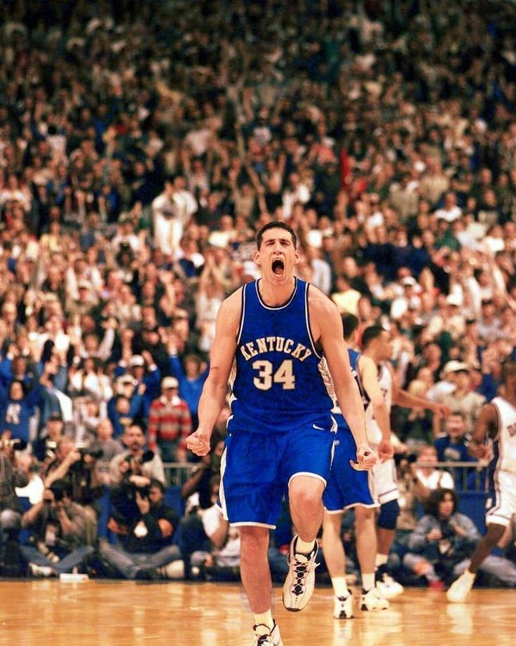 UK's Scott Padgett delivered a huge three-pointer late in the Wildcats' comeback victory over Duke in the 1998 NCAA Tournament.
