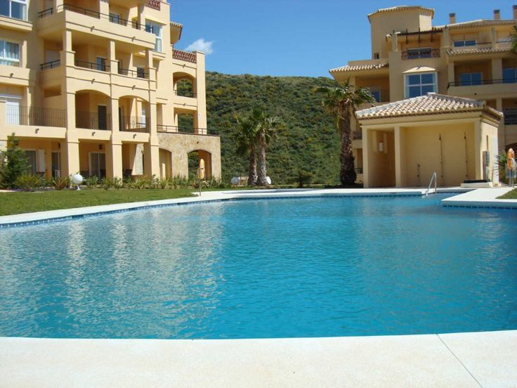 "Calahonda Apartment rental: ""La Vista"" - A Fabulous 3 Bed Luxury Holiday Penthouse Apartment!"
