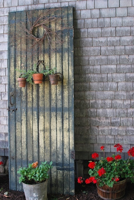 My Primitive Heart-Decorating Ideas  more: Re-Purposed Old Door And New Yard Decor