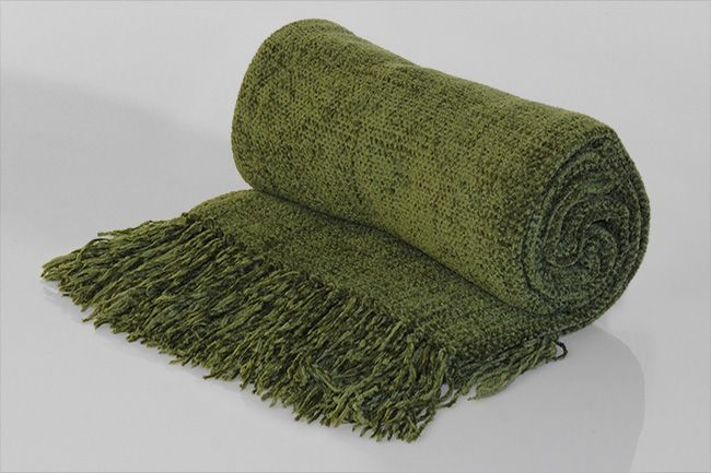 Chenille Throw with frill avo