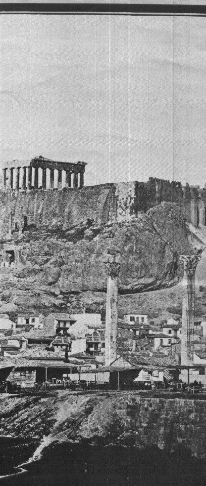 Αυτή είναι μια άποψη από το 1845, όταν η Αθήνα ήταν ανεξάρτητη από την τουρκική κυριαρχία, και όταν καθιερώθηκε ως η πρωτεύουσα . Τα σπίτια που βλέπετε από την πλευρά της Ακρόπολης ήταν εκείνες των εργαζομένων που είχαν εμπλακεί στην οικοδόμηση περισσότερες της Αθήνας, πολλοί από τους οποίους προέρχονταν από τα νησιά Κυκλάδων.