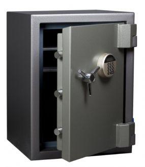 De zeer solide gebouwde SUN SBE serie biedt u een prima combinatie van brand- en inbraakwering. De safes beschermen u documenten en kostbaarheden gedurende minimaal 1 uur (getest bij ca. 1.090°C volgens UL 72 - class 350). De inbraakwering is ingeschaald in de klasse safe 4. Standaard is de SBE uitgerust met een vrij instelbaar