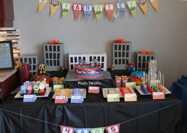 Table de fêtes Rescue Bot Transformers #sweettable #tabledefetes #tablededouceurs #party #birthday