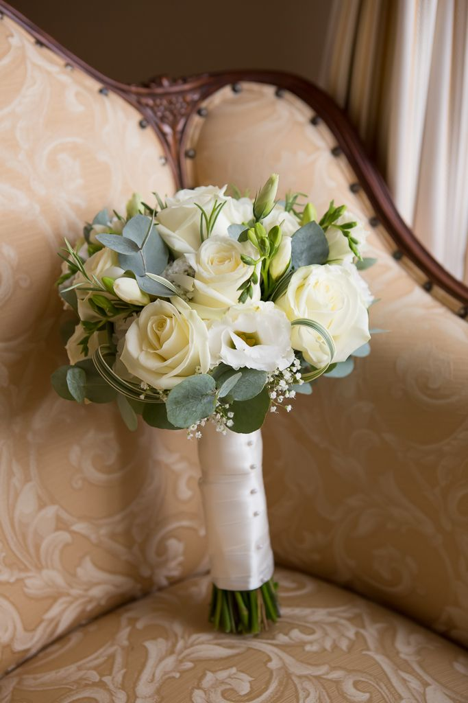 how to make a hand tied bouquet for a wedding