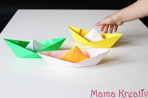 Papierschiffe falten