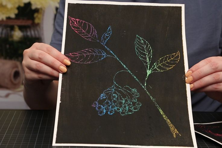 Im Handumdrehen kannst du dein eigenes Kunstwerk schaffen - das macht nicht nur Kindern Spaß! Im Video erfährst du, wie du Kratzbilder selber machen kannst.
