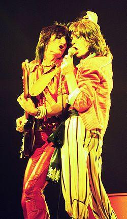 Michael Philip Jagger, beter bekend als Mick Jagger, heeft al bij Keith Richards op de kleuterschool gezeten, toen ze elkaar eind jaren vijftig weer tegenkwamen op een treinperron in Dartford in Kent. Jagger en Richards werden goede vrienden en begonnen een bandje