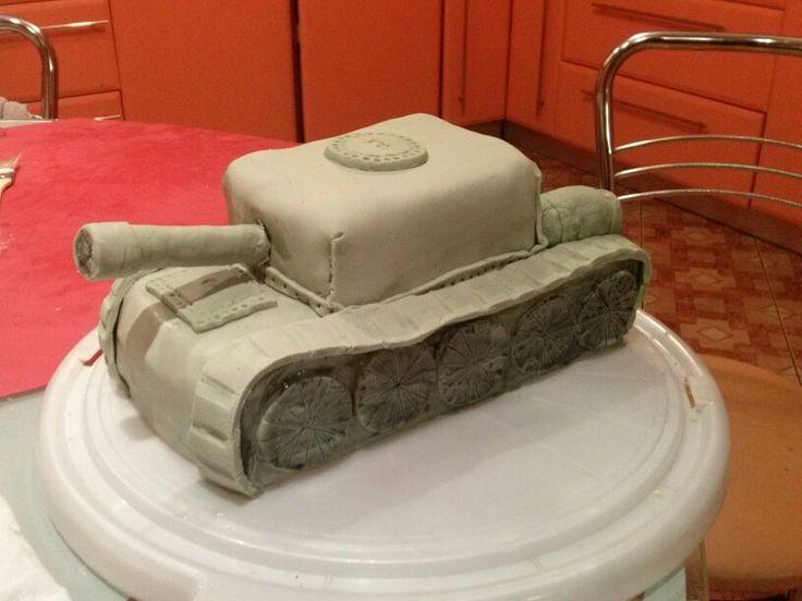 Tort dla miłośniczki militariów.