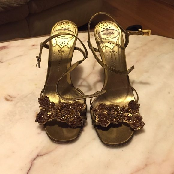 FINAL PRICE Excellent condition. I'm open to offers Prada Shoes Heels