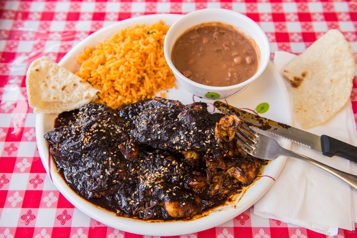 Taqueria El Mexicano review: A rare taste of Puebla in Hyattsville. Just ask for the fresh tortillas.