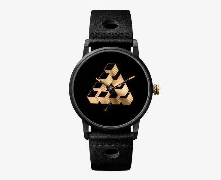 Triwa x Erïk Bjerkesjö – No. 1, černé hodinky, pánské a dámské – náramkové, kožený náramek, ocelové pouzdro, trojúhelník na ciferníku, M. C. Escher, watches  #watches #triwa #penrosetriangle #escher #reutersvard #black #hodinky
