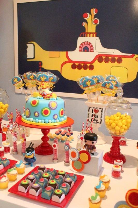 Simplesmente uma decoração encantadora com o tema, Festa Beatles!!!Uma combinação de cores perfeita e dicas incríveis.Imagens do blog Arteria Ateliê.Lindas ideias e muita inspiração.Bjs, Fa...