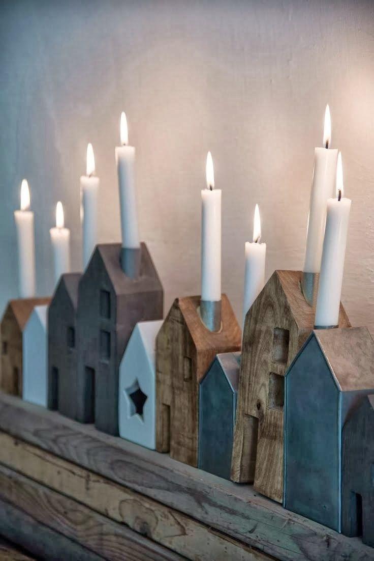 Weihnachten, oder das ganze Jahr über. Aus alten Holzklötzen eine kleine leuchtende Wohnsiedlung bauen. Holz+Kerzen+Bohrer+Stichsäge.