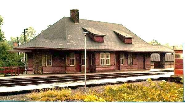 VALOIS, QC CPR Pointe Claire_Station p1985 - Gothic Revival style architecture OL