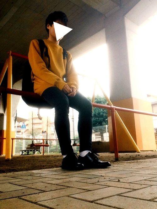 たくさんの方が上げている黄色✖️黒スキニーコーデ真似しました🙇🏻♀️ 靴下は白がいいね。 トッ