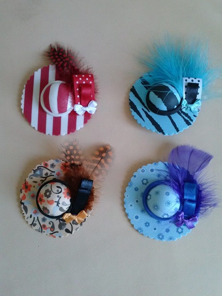 Broches sombreros estampados en goma y pluma mis manualidades ideas creaci n pinterest - Flores sencillas de goma eva ...