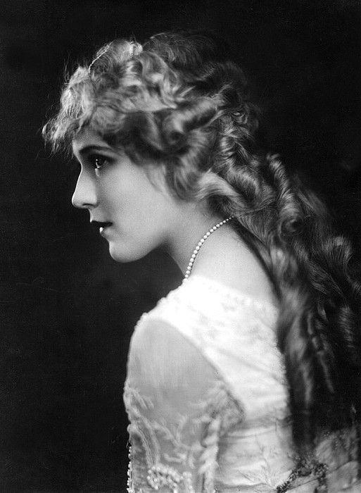 Mary Pickford, C. 1918 by Everett