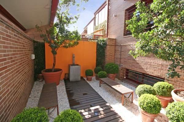 Tendencia patios y jardines sin pasto paisajismo for Ideas de patios y jardines
