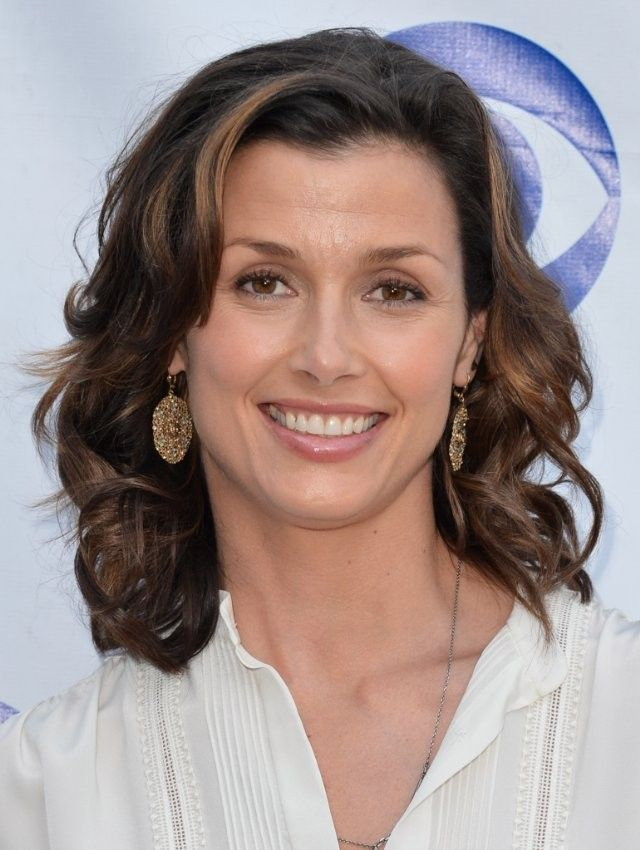 Bridget Moynahan born Kathryn Bridget Moynahan, April 28, 1971) in NY raised in Longmeadow Mass is an American actress and model.