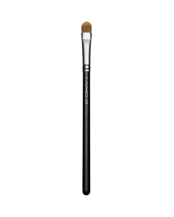 M·A·C 248 Small Eye Shader Brush features a flat paddle shape and synthetic…