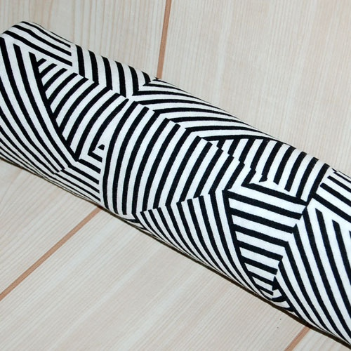 Image of Black & White Geometric Stripe Weave - Lightweight Jersey Knit Fabric