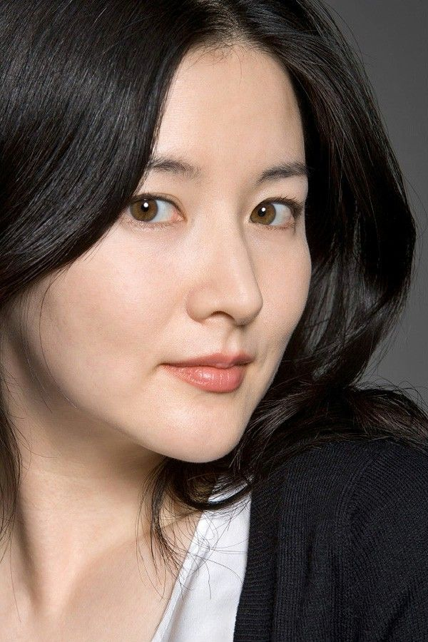 35 Fabulous Korean actresses over 35 who command the screen In what might just be the most highly anticipated drama comeback of all time, Lee Young Ae (44) has been cast in the upcoming historical series Saimdong: The Herstory opposite Song Seung Hun. It's her first drama role since the iconic Jewel in the Palace twelve years ago!