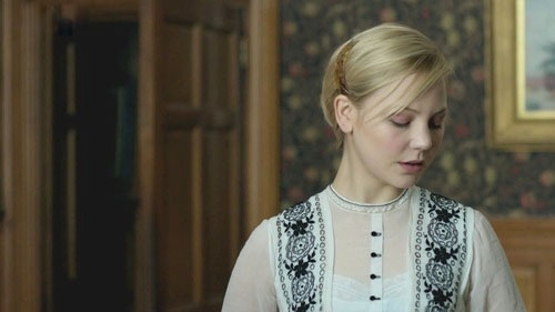 Adelaide Clemens, Valentine Wannop - Parade's End (TV-Series, 2012). Love the embroidered tunic blouse.