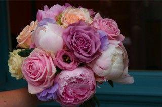 pioenrozen | Bruidsboeket met roze rozen en pioenrozen 40 Product opslaan