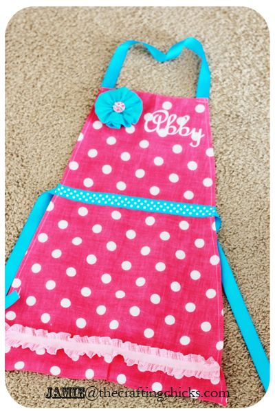 Caitlin's Baking Party-easy mini aprons using a bandanna - cute favor for a baking party