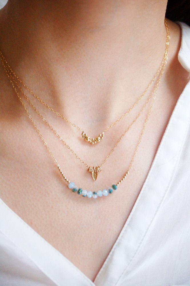 Collier Court Grappe dorée // Stackable Half Gold Moon Necklace, €36.00 by Corail Menthe