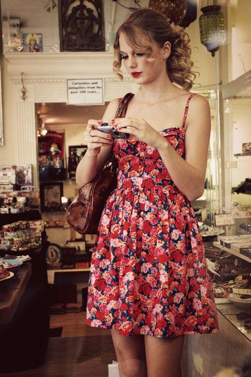 I love all her floral dresses <3