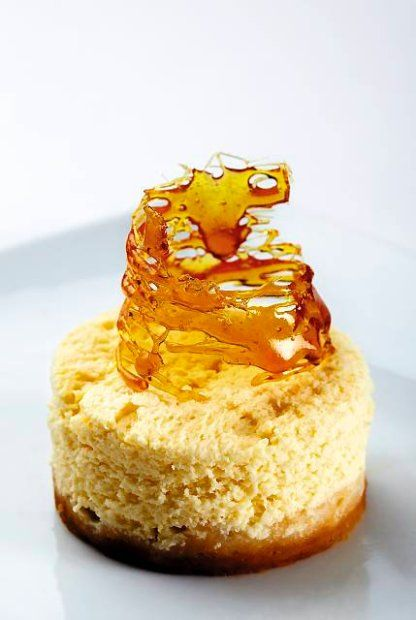 O jego smaku decydują dwa składniki: kremowy ser Philadelphia i słodko-słone ciastka Digestive