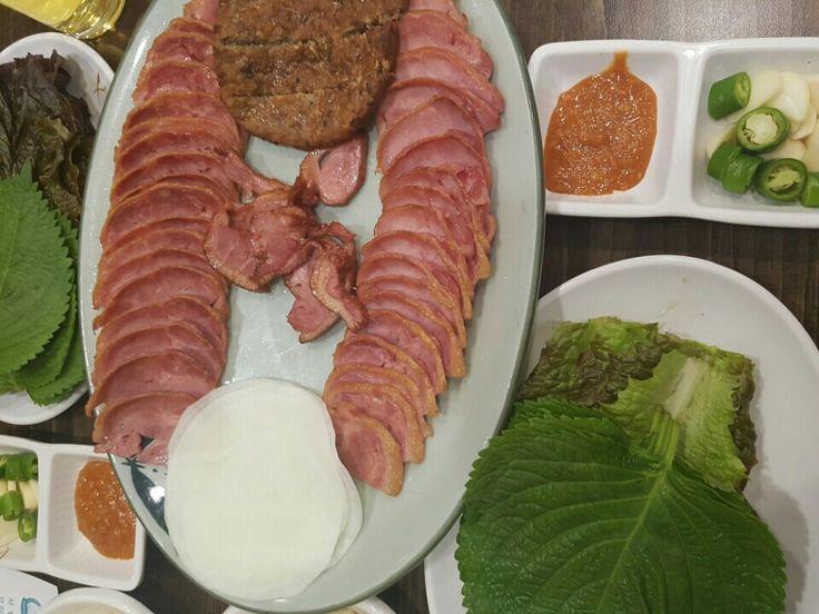 KBS신관 앞, 참배나무골오리집 Tel: 02-780-5292 duck house of pear tree town - restaurant #배나무골 #KBS신관앞 #Seoul #Korea #서울 #대한민국 #한국 https://youtu.be/zvL8iDzgBfU