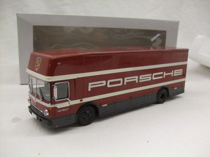 Currently at our Catawiki auctions: Premium Classixxs - Scale 1/43 - Renntransporter Porsche