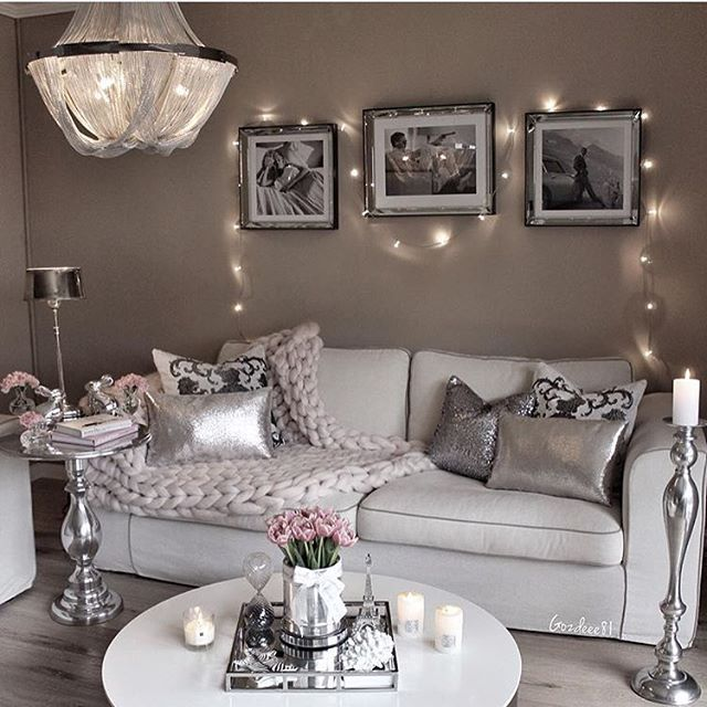@gozdeee81 💕 #passion4interior #interiør #luxury #homedetails #details #interiors  #dekor #decor #finahem #inspiration  #interiorstyled #norway #inspo #inspohome #onetofollow #photooftheday #interior4all #fine_hjem #the_real_houses_of_ig #picoftheday #interior2you #interior4you #livingroom #like4like #shabbychic #eleganceroom