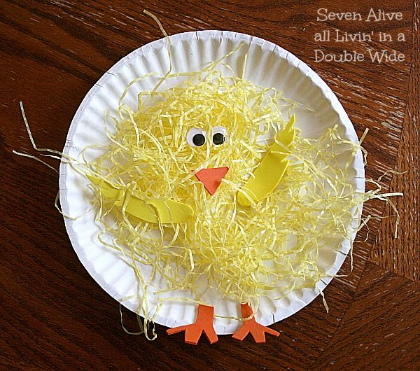 spring chick craft uses easter grass. so cute! #BabyCenterBlog #springcrafts