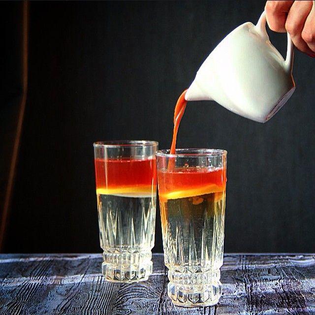 """it's just tea with lemon😜 Мама колдует ,любит угощать гостей таким вот чаем ☺️В #фудфотомарт_413 от @anochka413 @katerera """"""""Буря в стакане"""" она у меня вот вот начнется😁 ---------------------------------------Ну и за движение в кадре #food_in_motion  от @rroommama и @goonnie судья @okuprin"""