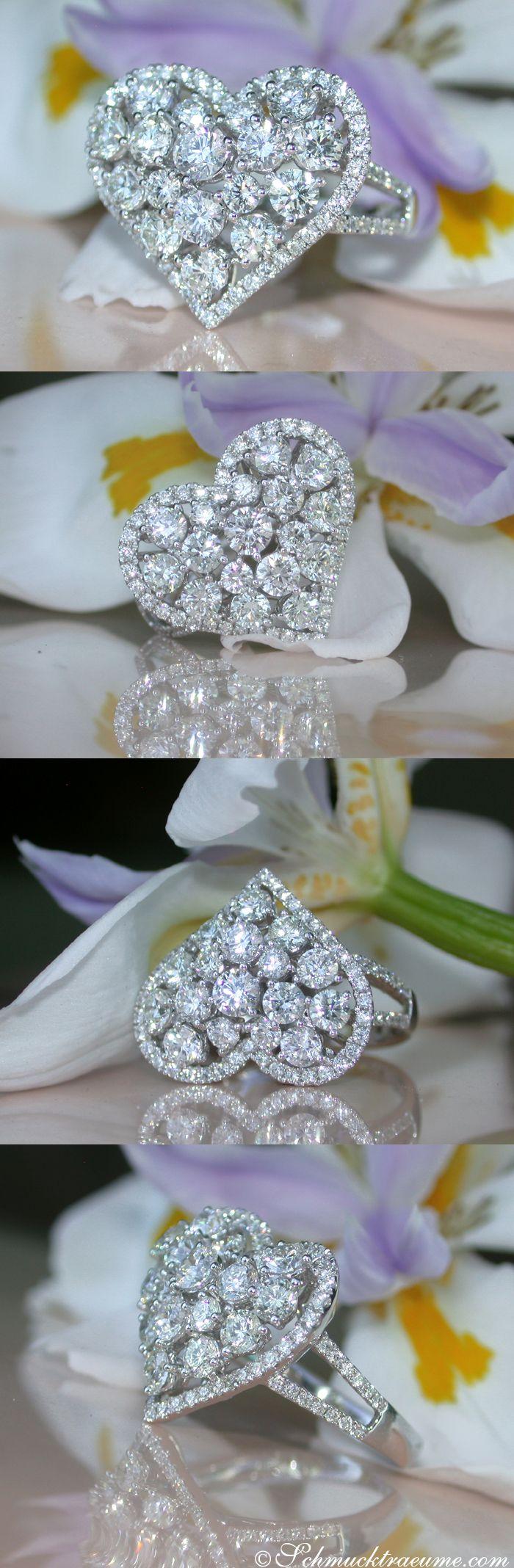 Exquisite Diamond Heart Ring, 2.60 ct. G-VS1 WG18K - Visit: schmucktraeume.com Like: https://www.facebook.com/pages/Noble-Juwelen/150871984924926 Mail: info[at]schmucktraeume.com