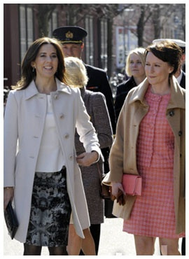The first lady of Finland Jenni Haukio and Crown princess Mary of Denmark. Ladors with great style.