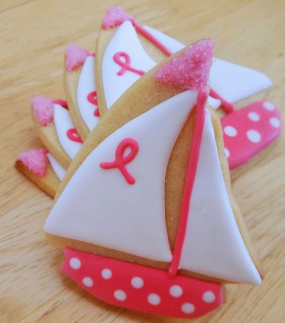 How cute would these be for the beach baby girl's baby shower guests? My Cookie Clinic: SAILBOAT COOKIES/ Sail On!
