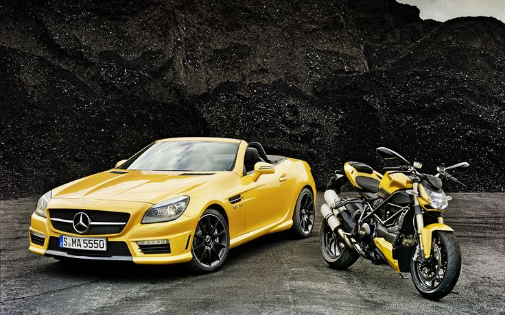 2012_mercedes_benz_slk_55_amg_ducati_streetfighter_848-wide.jpg (2560×1600)