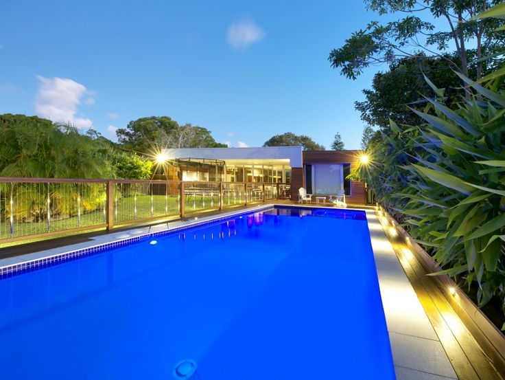 Outdoor Pool Hardwood and Steel Cable Fencing