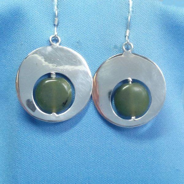 Boucles d'oreilles maya rondes avec pierres de jade