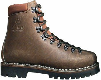 Classic Mountaineering Boot