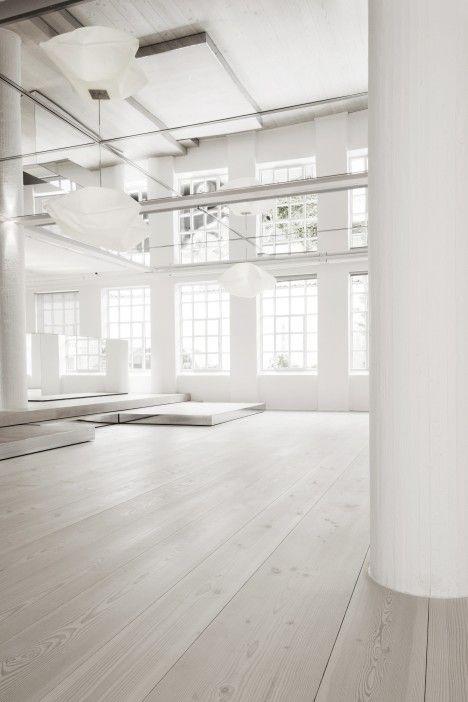 DINESEN showroom | Space Architecture & Interior Design